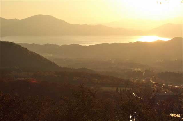 黒森山展望台から望む田沢湖