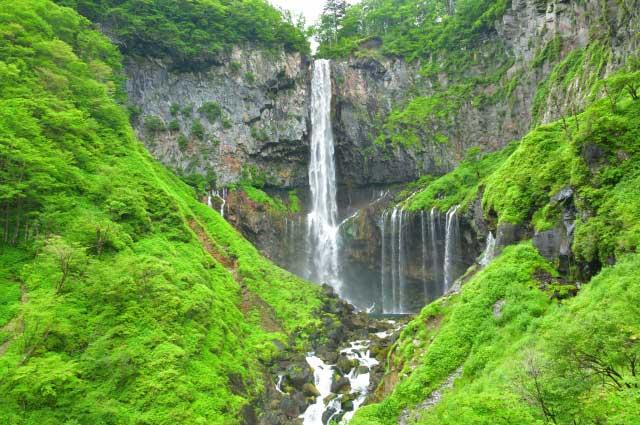 湖水は華厳の滝へ