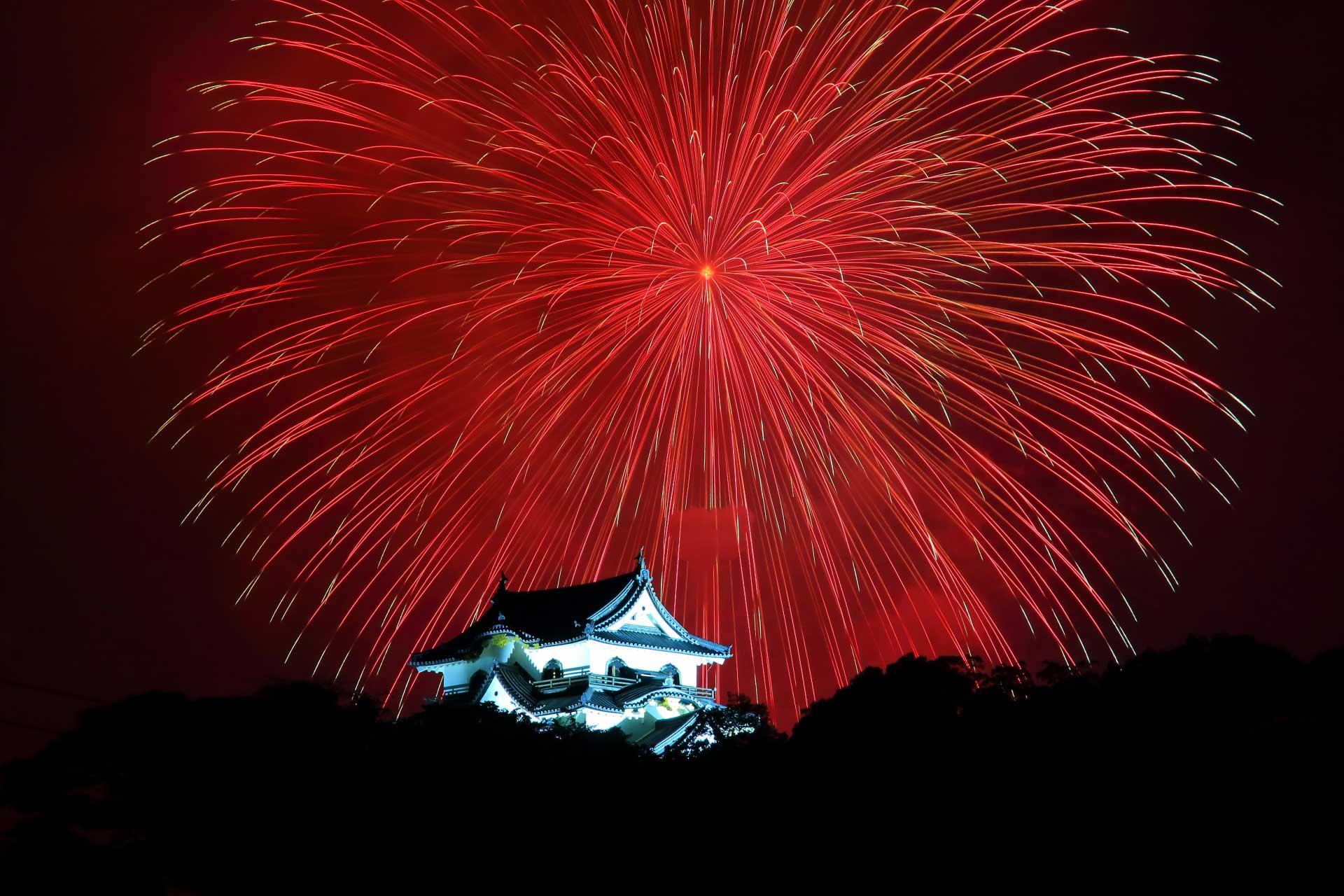 花火と彦根城