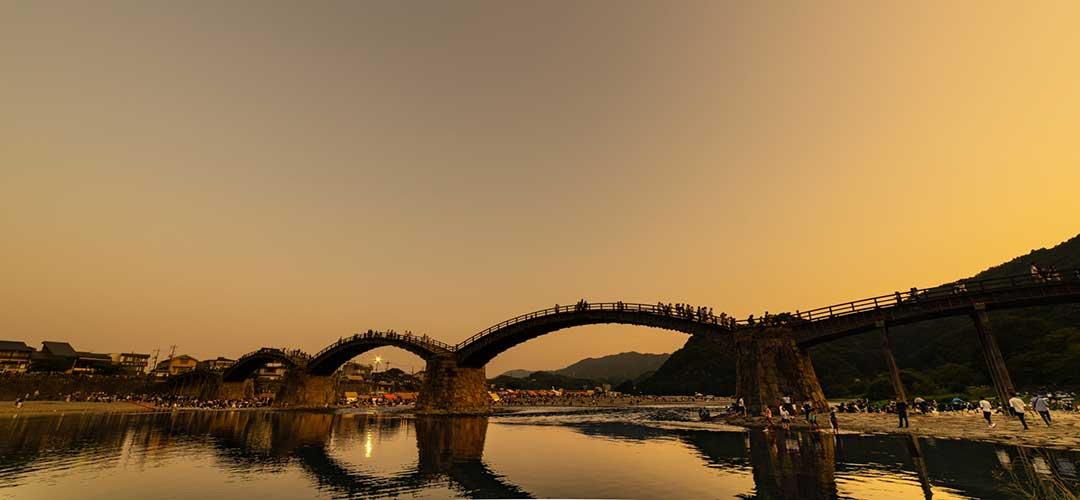 夕焼けの錦帯橋