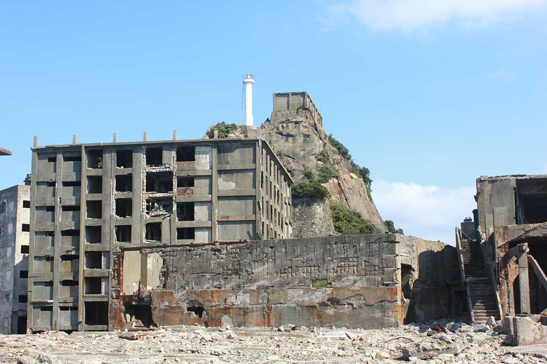 当時のアパートや学校等の建物が残っています