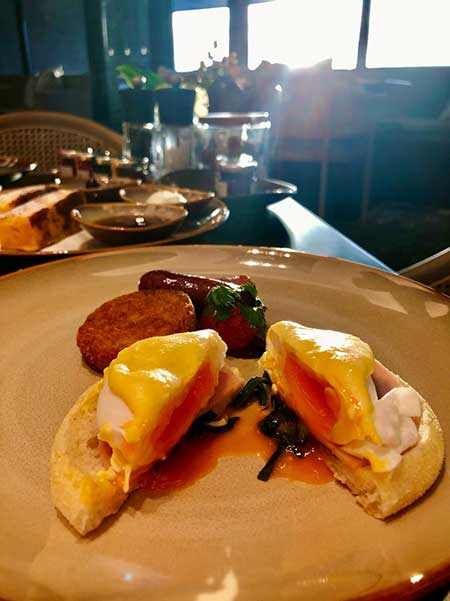 選べるスタイルの朝食