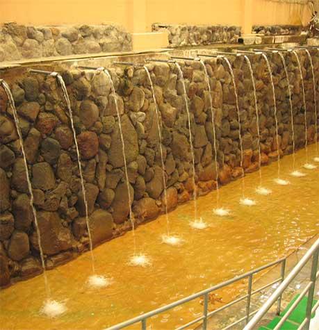 ひょうたん温泉の滝湯