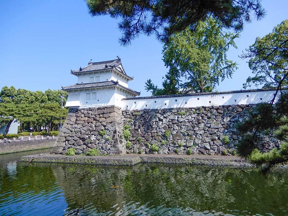 白雉城の異名を持つ大分府内城