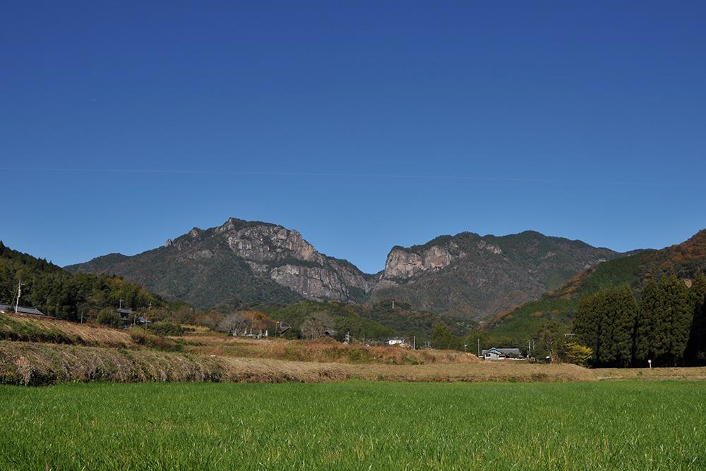 標高829mの行縢山