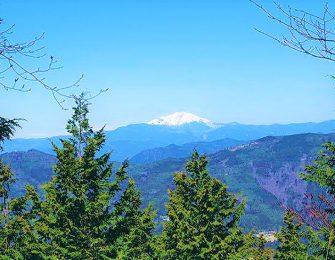 見行山から望む御嶽山