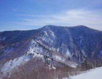 ハイキングコースも人気の飯縄山