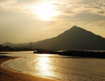 若狭富士の異名を持つ青葉山
