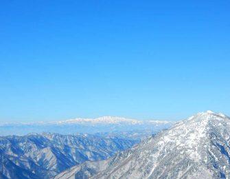 霊峰白山を望む