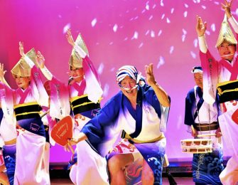 年間を通じ阿波踊りが楽しめます