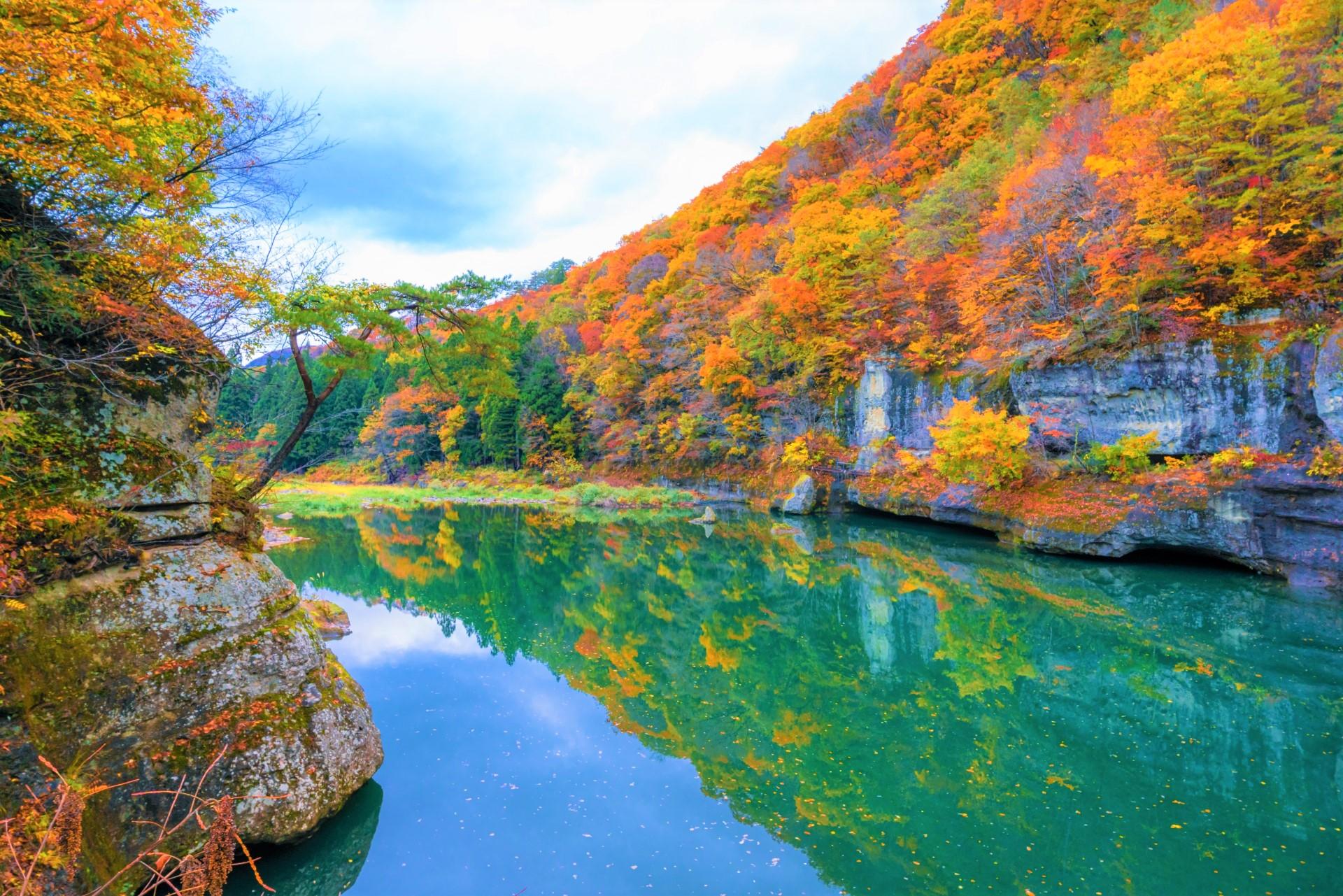 塔のへつりの秋模様