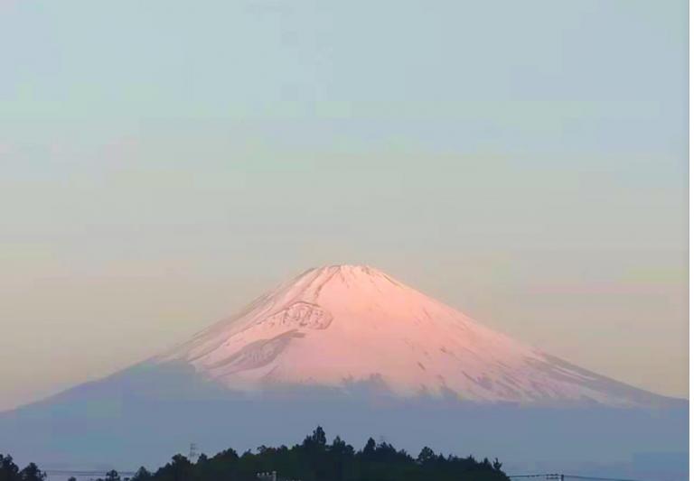 時之栖「山羊の丘コテージ」からの富士山