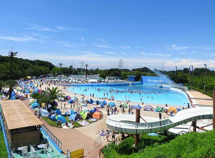 夏期のみ営業のプール※休止の可能性あり